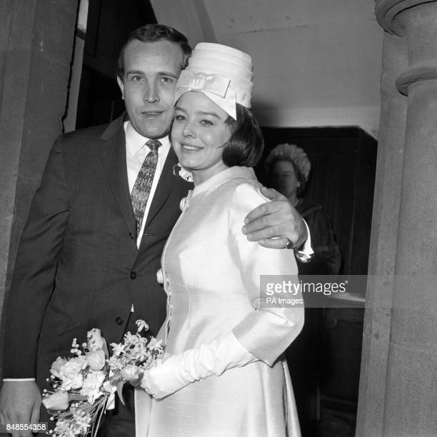 Actress Janet Munro and actor Ian Hendry after their wedding at Bayswater Presbyterian Church