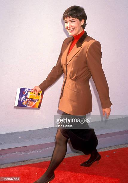 Actress Janine Turner attends the 'Aladdin' Hollywood Premiere on November 8 1992 at El Capitan Theatre in Hollywood California