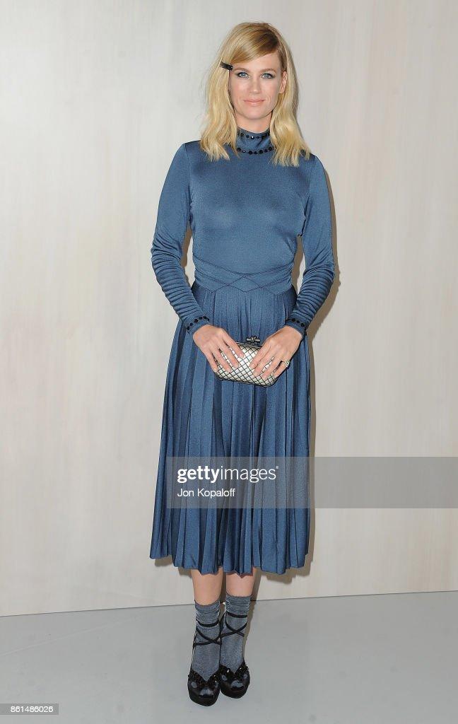 Actress January Jones arrives at Bottega Veneta Hosts Hammer Museum Gala In The Garden on October 14, 2017 in Westwood, California.