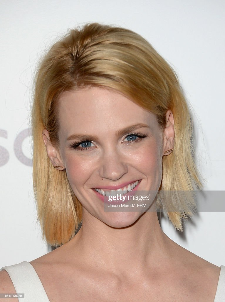 Actress <a gi-track='captionPersonalityLinkClicked' href=/galleries/search?phrase=January+Jones&family=editorial&specificpeople=212949 ng-click='$event.stopPropagation()'>January Jones</a> arrives at the Premiere of AMC's 'Mad Men' Season 6 at DGA Theater on March 20, 2013 in Los Angeles, California.