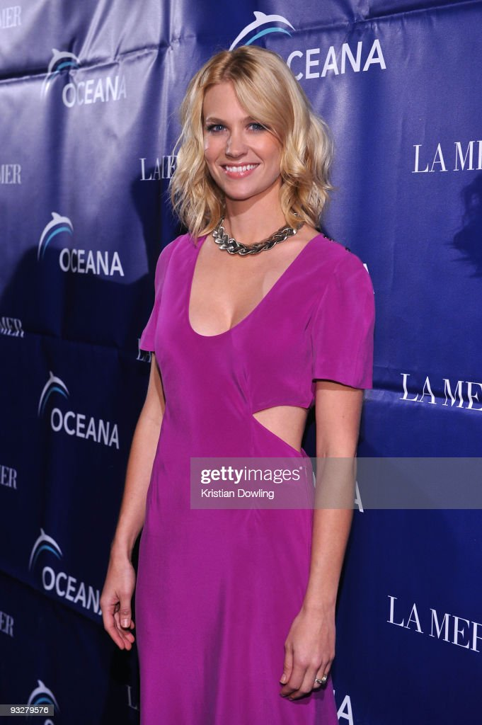 Actress January Jones arrives for Oceana's 2009 Partners Award Gala on November 20 2009 in Los Angeles California Photo by Kristian Dowling/WireImage