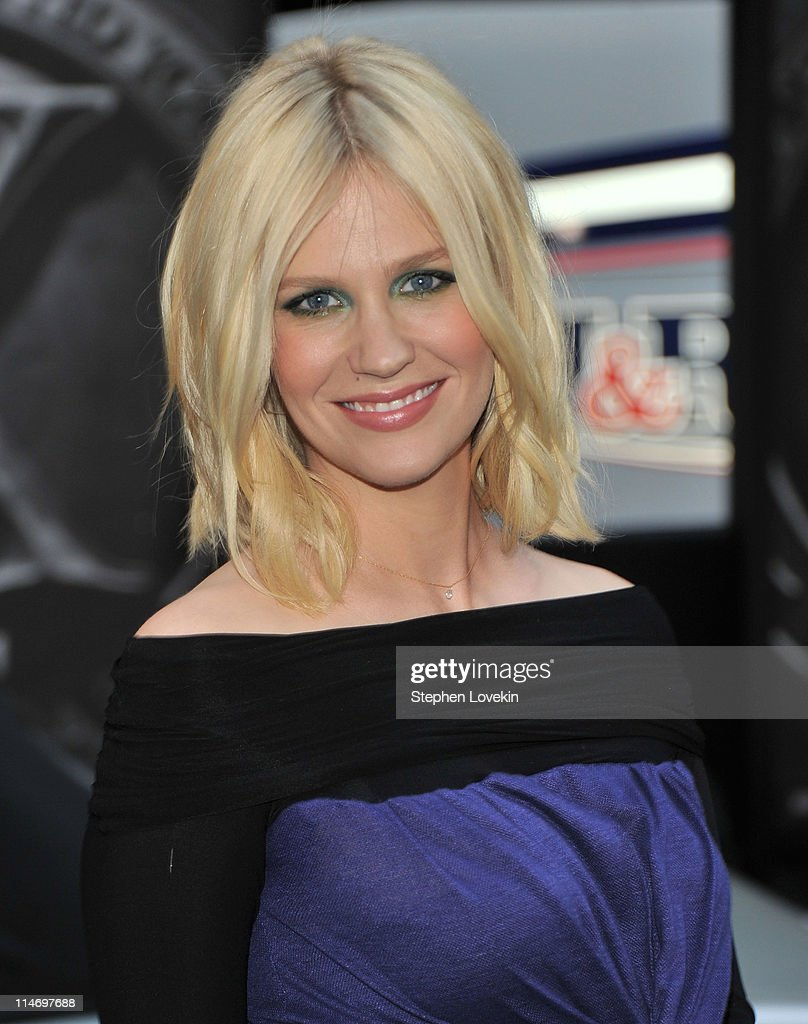 Actress January Jones attends the 'X-Men: First Class' New York Premiere at the Ziegfeld Theatre on May 25, 2011 in New York City.
