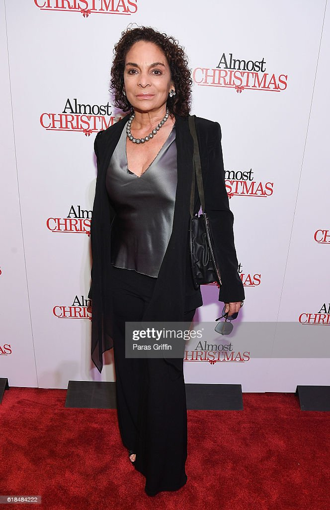 Actress Jasmine Guy attends 'Almost Christmas' Atlanta screening at Regal Cinemas Atlantic Station Stadium 16 on October 26, 2016 in Atlanta, Georgia.