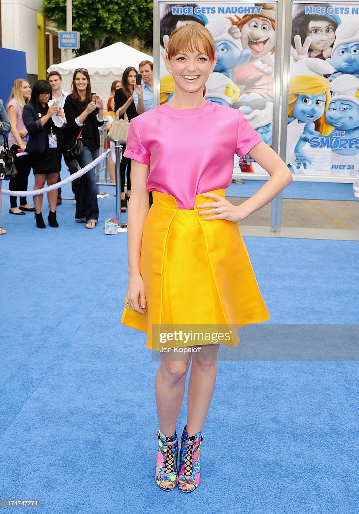 Actress Jayma Mays arrives at the Los Angeles Premiere 'Smurfs 2' at Regency Village Theatre on July 28, 2013 in Westwood, California.