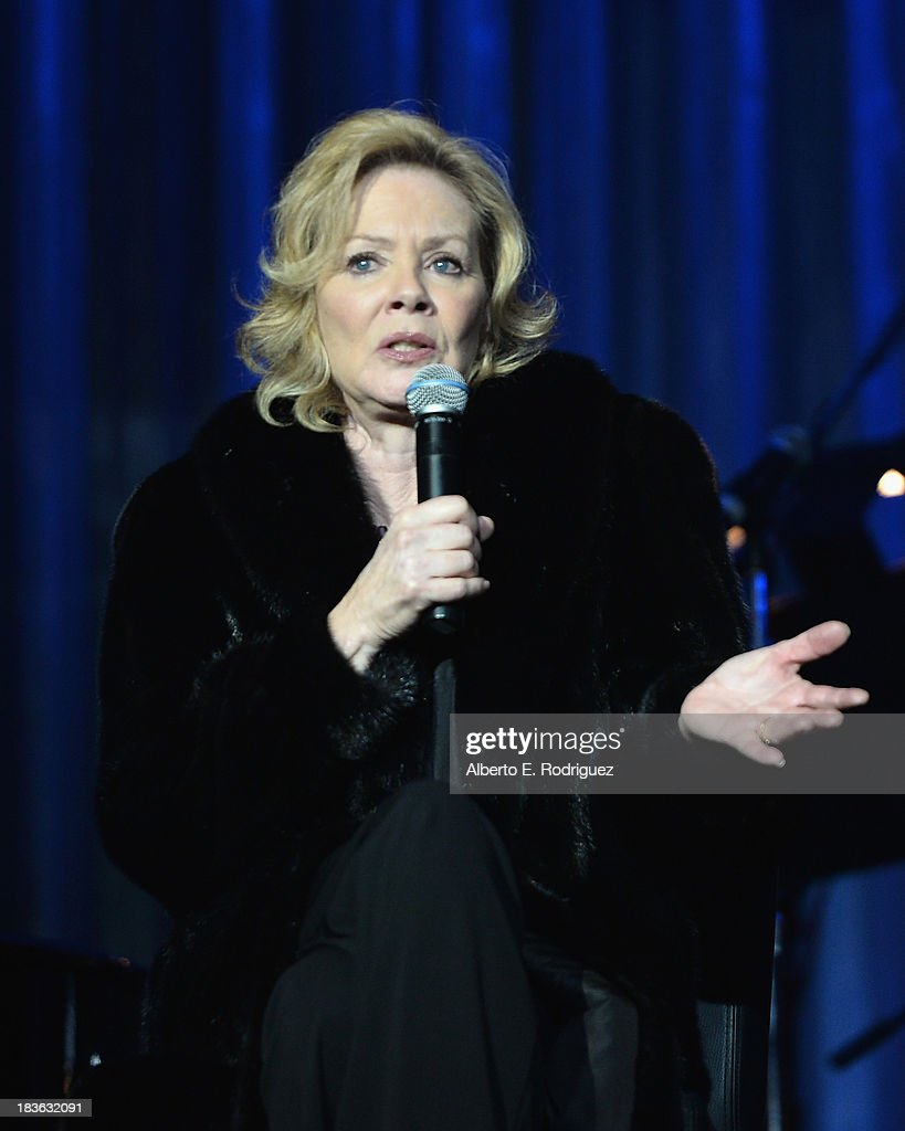 Actress <a gi-track='captionPersonalityLinkClicked' href=/galleries/search?phrase=Jean+Smart&family=editorial&specificpeople=220923 ng-click='$event.stopPropagation()'>Jean Smart</a> attends The National Breast Cancer Coalition Fund presents The 13th Annual Les Girls at the Avalon on October 7, 2013 in Hollywood, California.