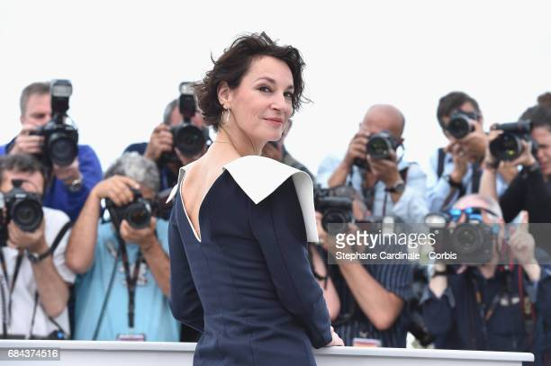 Actress Jeanne Balibar attends 'Barbara' Photocall during the 70th annual Cannes Film Festival at Palais des Festivals on May 18 2017 in Cannes France