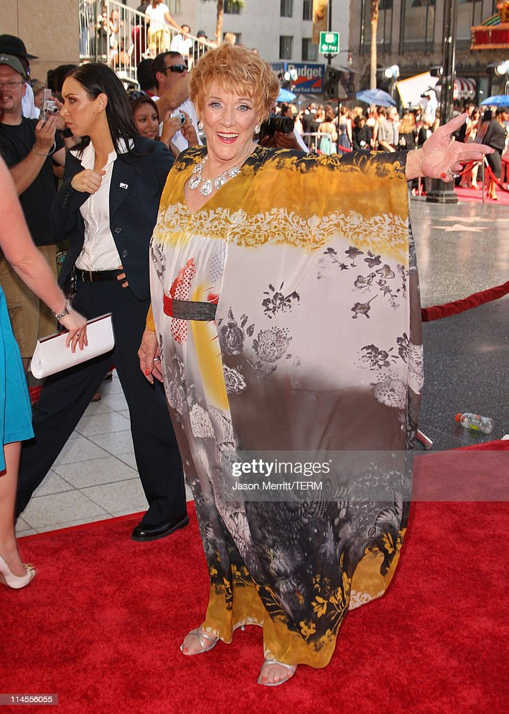 Actress <a gi-track='captionPersonalityLinkClicked' href=/galleries/search?phrase=Jeanne+Cooper&family=editorial&specificpeople=208646 ng-click='$event.stopPropagation()'>Jeanne Cooper</a> arrives to The 35th Annual Daytime Emmy Awards at the Kodak Theatre on June 20, 2008 in Los Angeles, California.
