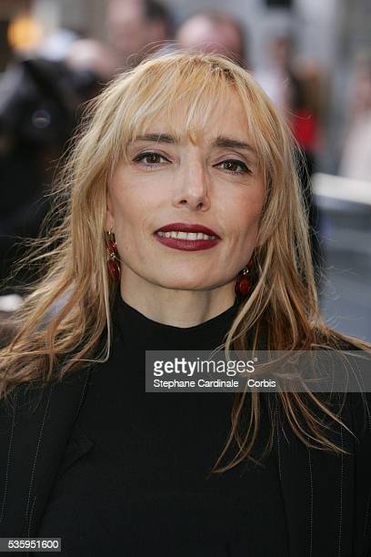 Actress Jeanne Mas arrives at the premiere of Michael Mann's film 'Collateral' in Paris