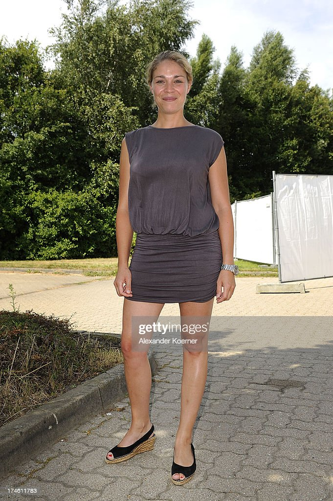 Actress Jelena Mitschke is beeing pictured during the 'Rote Rosen Fan-Tag 2013' on July 28, 2013 in Luneburg, Germany. More than 3500 fans of the daily television telenovela 'Rote Rosen' came to see the Studios and to meet their favorite actor.