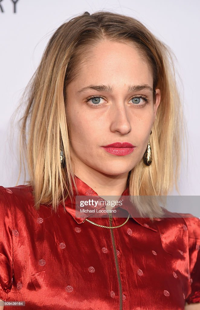 Actress <a gi-track='captionPersonalityLinkClicked' href=/galleries/search?phrase=Jemima+Kirke&family=editorial&specificpeople=7327464 ng-click='$event.stopPropagation()'>Jemima Kirke</a> attends the 2016 amfAR New York Gala at Cipriani Wall Street on February 10, 2016 in New York City.