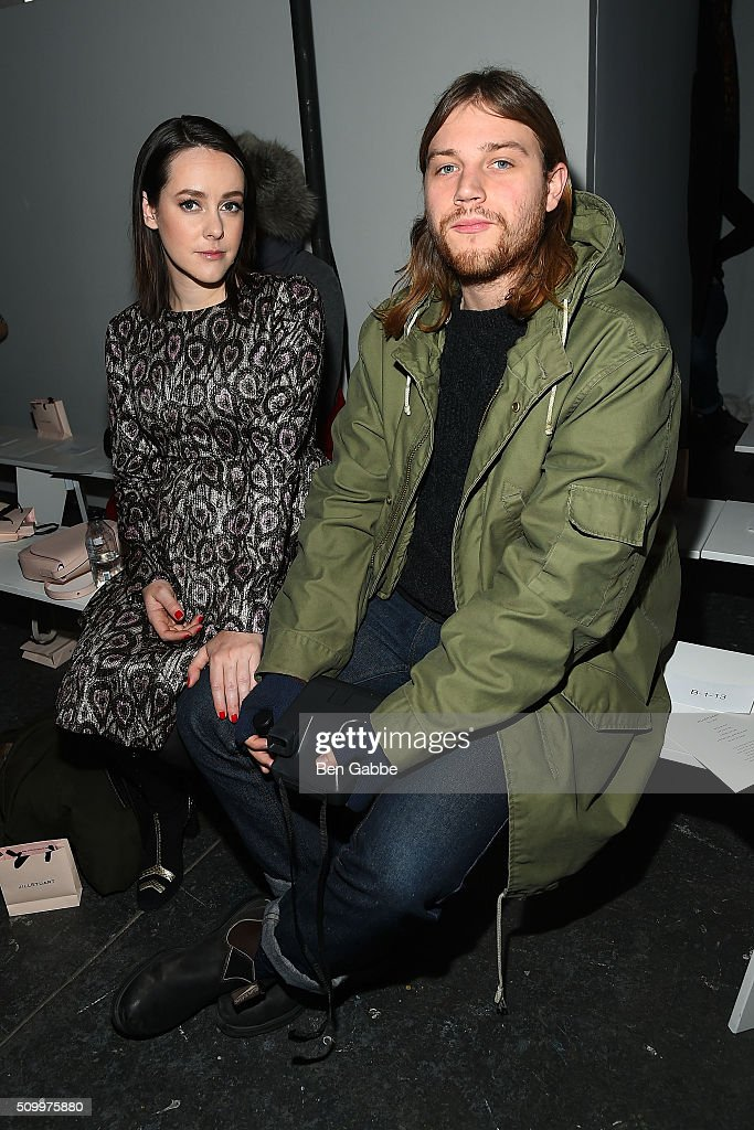 Actress <a gi-track='captionPersonalityLinkClicked' href=/galleries/search?phrase=Jena+Malone&family=editorial&specificpeople=216548 ng-click='$event.stopPropagation()'>Jena Malone</a> (L) and husband Ethan DeLorenzo attend the Jill Stuart fashion show during Fall 2016 New York Fashion Week at Industria Superstudio on February 13, 2016 in New York City.