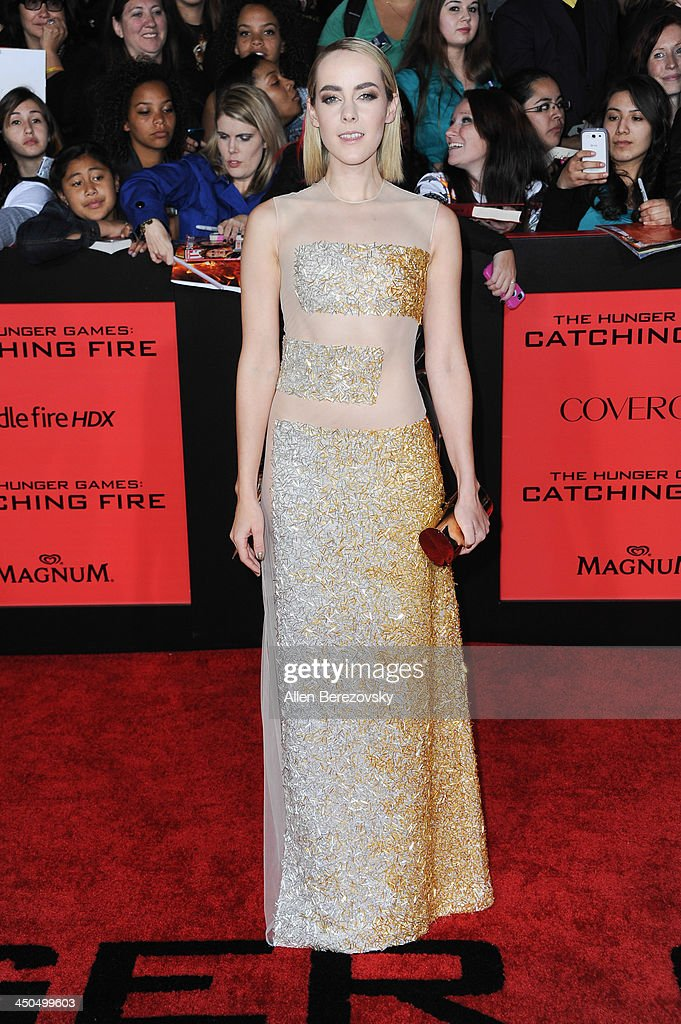 Actress Jena Malone arrives at the Los Angeles Premiere of 'The Hunger Games: Catching Fire' at Nokia Theatre L.A. Live on November 18, 2013 in Los Angeles, California.