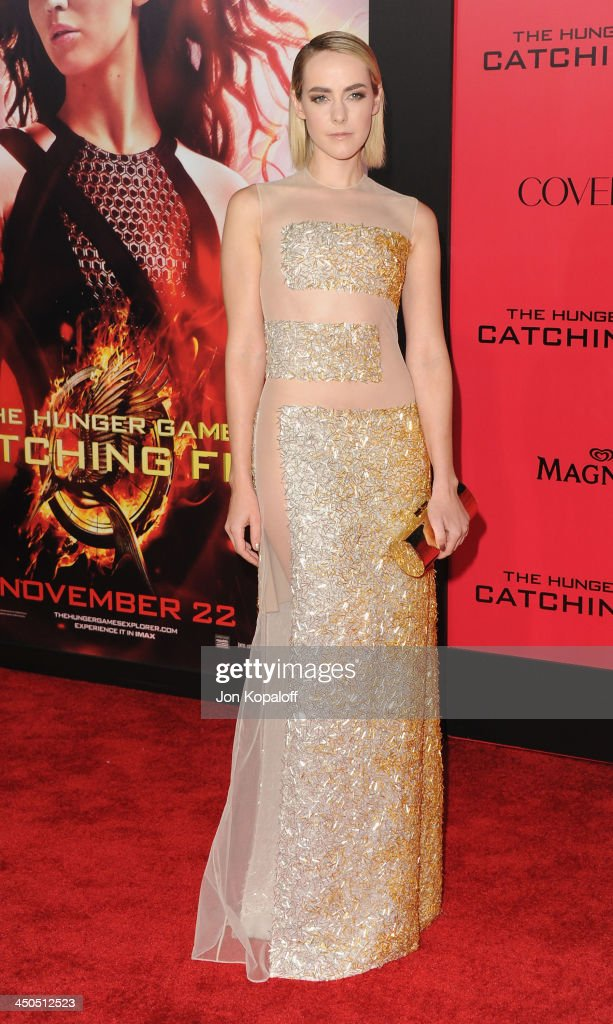 Actress Jena Malone arrives at the Los Angeles Premiere 'The Hunger Games: Catching Fire' at Nokia Theatre L.A. Live on November 18, 2013 in Los Angeles, California.