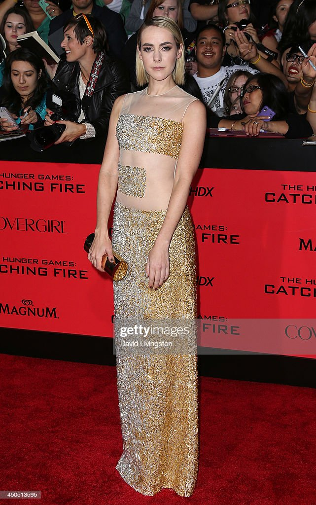 Actress Jena Malone attends the premiere of Lionsgate's 'The Hunger Games: Catching Fire' at Nokia Theatre L.A. Live on November 18, 2013 in Los Angeles, California.