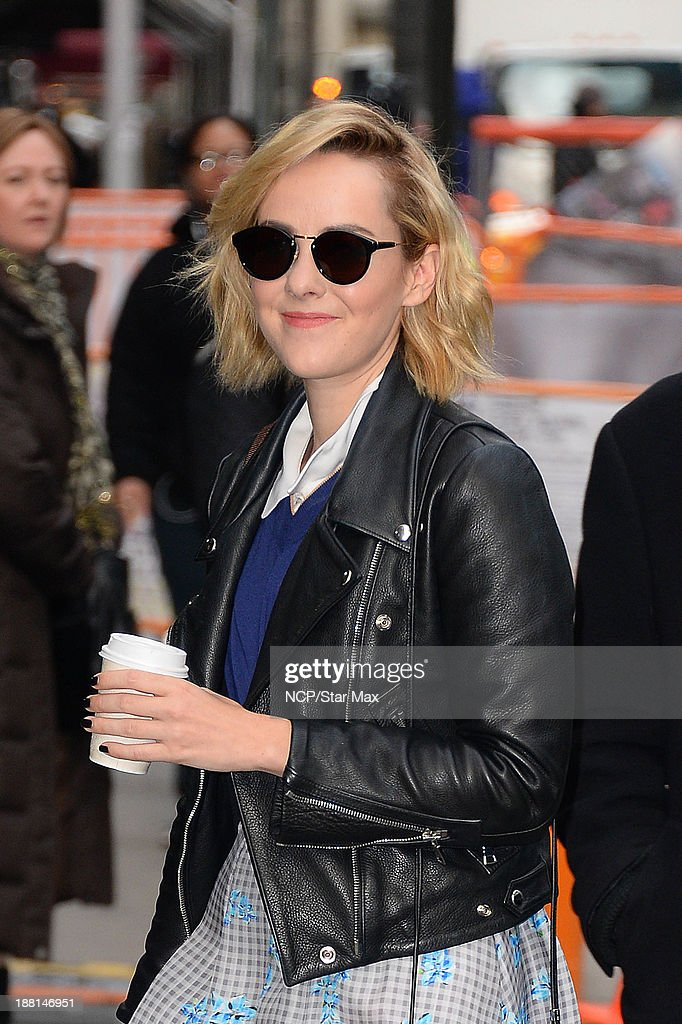 Actress <a gi-track='captionPersonalityLinkClicked' href=/galleries/search?phrase=Jena+Malone&family=editorial&specificpeople=216548 ng-click='$event.stopPropagation()'>Jena Malone</a> is seen on November 15, 2013 in New York City.