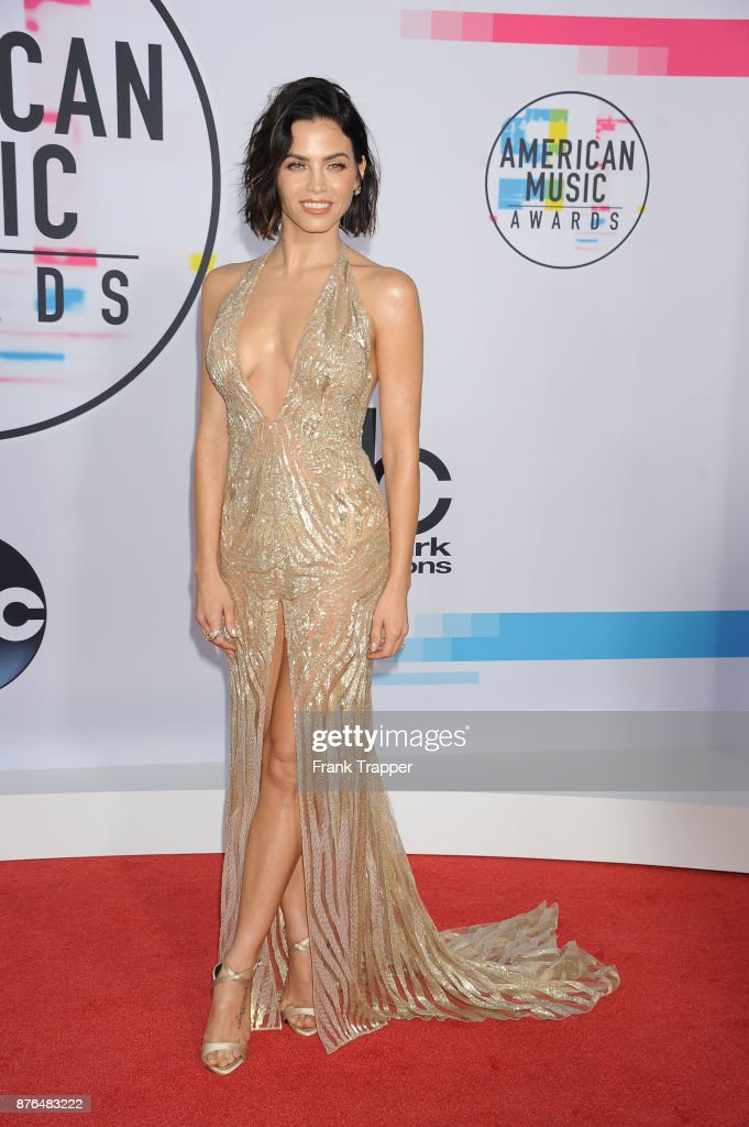 Actress Jenna Dewan Tatum attends 2017 American Music Awards at Microsoft Theater on November 19, 2017 in Los Angeles, California.