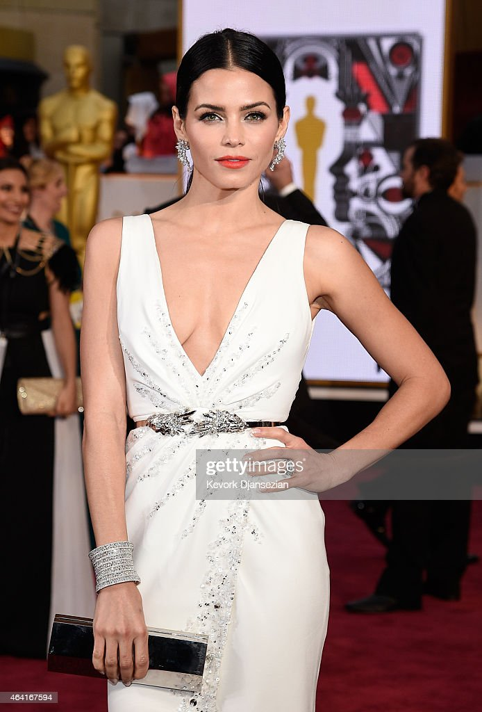 Actress Jenna Dewan Tatum attends the 87th Annual Academy Awards at Hollywood Highland Center on February 22 2015 in Hollywood California