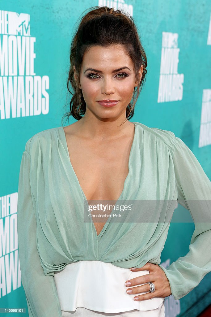 Actress Jenna Dewan-Tatum arrives at the 2012 MTV Movie Awards held at Gibson Amphitheatre on June 3, 2012 in Universal City, California.