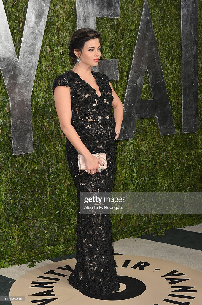 Actress Jenna Dewan-Tatum arrives at the 2013 Vanity Fair Oscar Party hosted by Graydon Carter at Sunset Tower on February 24, 2013 in West Hollywood, California.