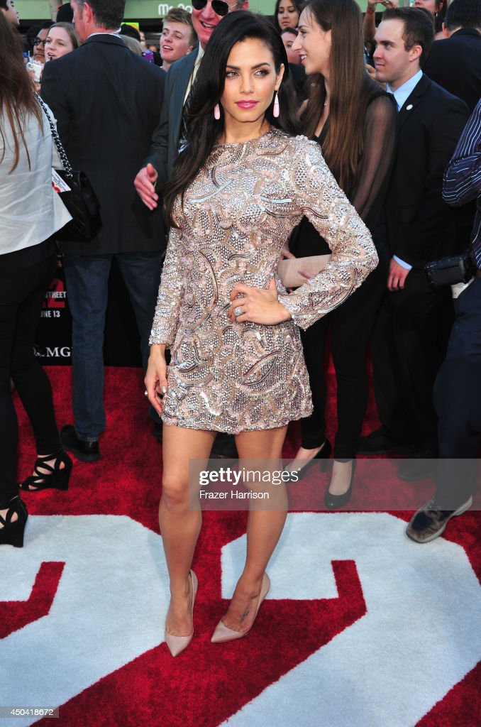 Actress <a gi-track='captionPersonalityLinkClicked' href=/galleries/search?phrase=Jenna+Dewan-Tatum&family=editorial&specificpeople=7220442 ng-click='$event.stopPropagation()'>Jenna Dewan-Tatum</a> arrives at the Premiere Of Columbia Pictures' '22 Jump Street' at Regency Village Theatre on June 10, 2014 in Westwood, California.