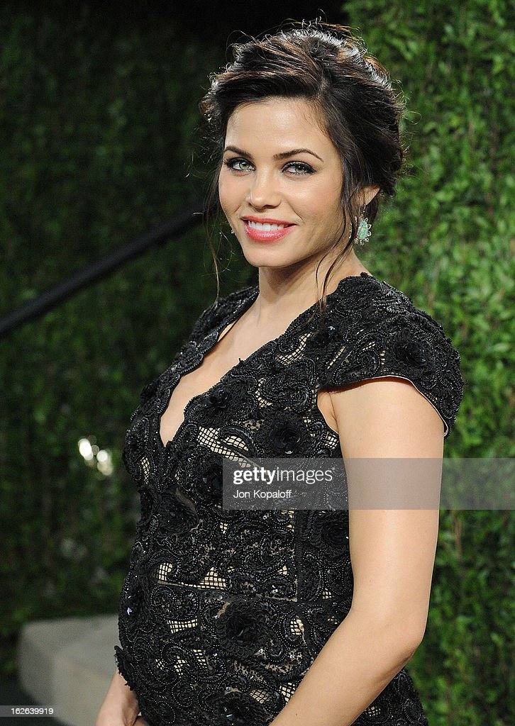 Actress Jenna Dewan-Tatum attends the 2013 Vanity Fair Oscar party at Sunset Tower on February 24, 2013 in West Hollywood, California.