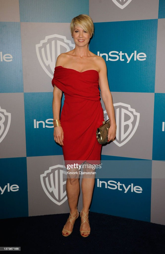 Actress <a gi-track='captionPersonalityLinkClicked' href=/galleries/search?phrase=Jenna+Elfman&family=editorial&specificpeople=204782 ng-click='$event.stopPropagation()'>Jenna Elfman</a> arrives at 13th Annual Warner Bros. And InStyle Golden Globe Awards After Party at The Beverly Hilton hotel on January 15, 2012 in Beverly Hills, California.