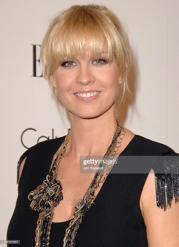 Actress <a gi-track='captionPersonalityLinkClicked' href=/galleries/search?phrase=Jenna+Elfman&family=editorial&specificpeople=204782 ng-click='$event.stopPropagation()'>Jenna Elfman</a> arrives at ELLE's 16th Annual Women In Hollywood Event at the Four Seasons Hotel on October 19, 2009 in Beverly Hills, California.