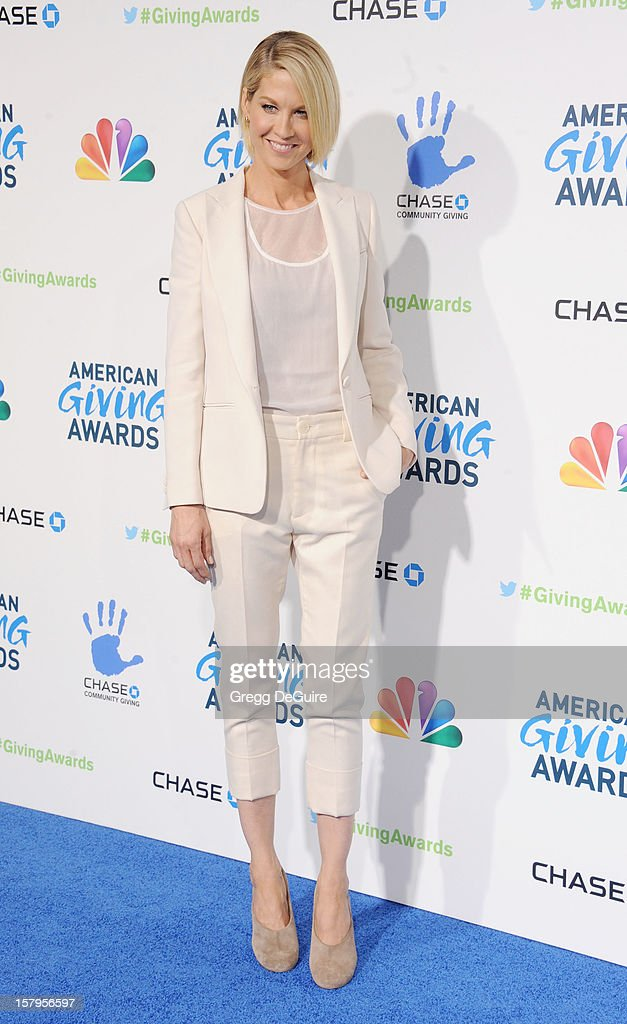 Actress Jenna Elfman arrives at the 2nd Annual American Giving Awards at the Pasadena Civic Auditorium on December 7, 2012 in Pasadena, California.