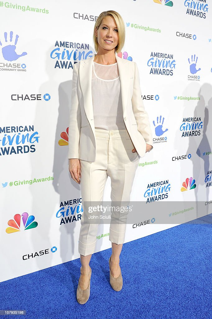 Actress Jenna Elfman arrives at the American Giving Awards presented by Chase held at the Pasadena Civic Auditorium on December 7, 2012 in Pasadena, California.
