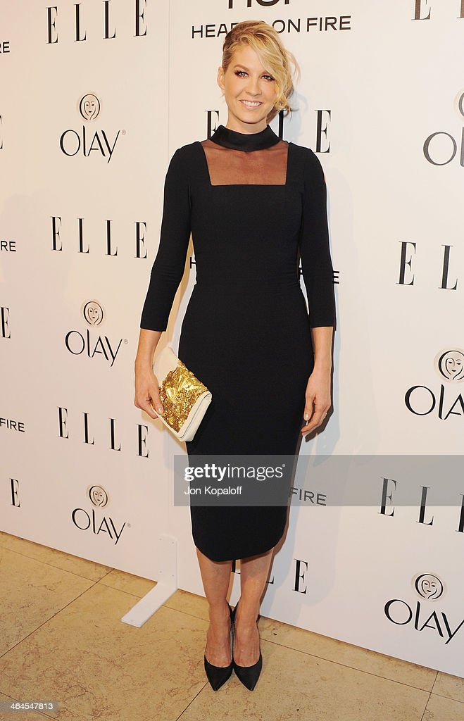 Actress <a gi-track='captionPersonalityLinkClicked' href=/galleries/search?phrase=Jenna+Elfman&family=editorial&specificpeople=204782 ng-click='$event.stopPropagation()'>Jenna Elfman</a> arrives at the ELLE Women In Television Celebration at Sunset Tower on January 22, 2014 in West Hollywood, California.