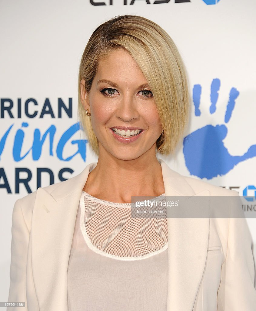 Actress Jenna Elfman attends 2012 American Giving Awards at Pasadena Civic Auditorium on December 7, 2012 in Pasadena, California.