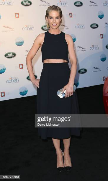 Actress Jenna Elfman attends the LA Modernism Show Sale opening night party to benefit PS ARTS at 3LABS on April 25 2014 in Culver City California