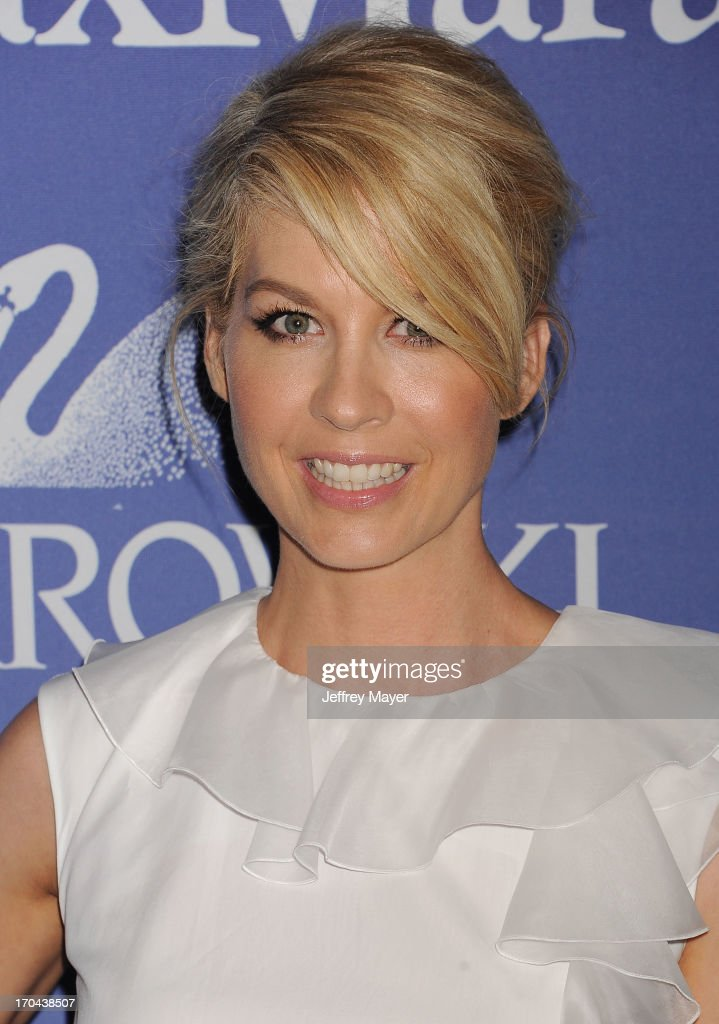 Actress Jenna Elfman attends Women In Film's 2013 Crystal + Lucy Awards at The Beverly Hilton Hotel on June 12, 2013 in Beverly Hills, California.
