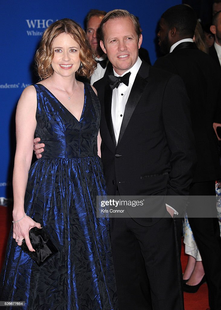 Actress <a gi-track='captionPersonalityLinkClicked' href=/galleries/search?phrase=Jenna+Fischer&family=editorial&specificpeople=274744 ng-click='$event.stopPropagation()'>Jenna Fischer</a> and <a gi-track='captionPersonalityLinkClicked' href=/galleries/search?phrase=Lee+Kirk&family=editorial&specificpeople=6364170 ng-click='$event.stopPropagation()'>Lee Kirk</a> attend the 102nd White House Correspondents' Association Dinner on April 30, 2016 in Washington, DC.