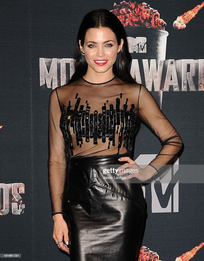 Actress Jenna Lee Dewan Tatum poses in the press room at the 2014 MTV Movie Awards at Nokia Theatre L.A. Live on April 13, 2014 in Los Angeles, California.