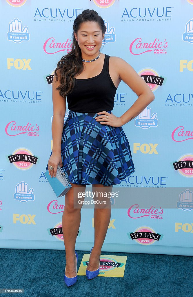 Actress Jenna Ushkowitz arrives at the 2013 Teen Choice Awards at Gibson Amphitheatre on August 11, 2013 in Universal City, California.