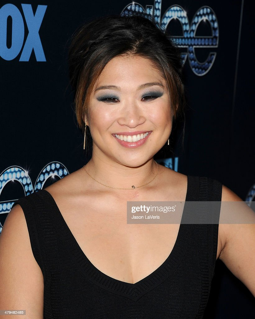 Actress <a gi-track='captionPersonalityLinkClicked' href=/galleries/search?phrase=Jenna+Ushkowitz&family=editorial&specificpeople=4863323 ng-click='$event.stopPropagation()'>Jenna Ushkowitz</a> attends the 'Glee' 100th episode celebration at Chateau Marmont on March 18, 2014 in Los Angeles, California.