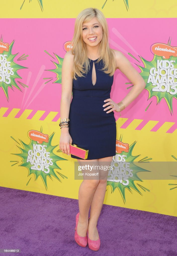 Actress Jennette McCurdy arrives at Nickelodeon's 26th Annual Kids' Choice Awards at USC Galen Center on March 23, 2013 in Los Angeles, California.