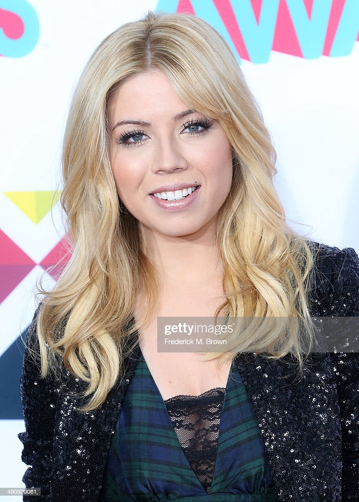 Actress <a gi-track='captionPersonalityLinkClicked' href=/galleries/search?phrase=Jennette+McCurdy&family=editorial&specificpeople=2851877 ng-click='$event.stopPropagation()'>Jennette McCurdy</a> attends the 2013 HALO Awards at the Hollywood Palladium on November 17, 2013 in Hollywood, California.