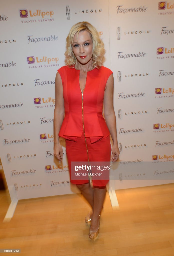 Actress Jennie Garth attends the Faconnable Kicks Off The Holidays Shopping Event Benefitting Lollipop Theater Network at Faconnable on November 13, 2012 in Beverly Hills, California.