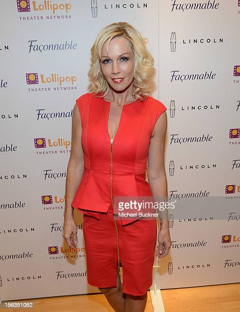Actress Jennie Garth attends the Faconnable Kicks Off The Holidays Shopping Event Benefitting Lollipop Theater Network at Faconnable on November 13...