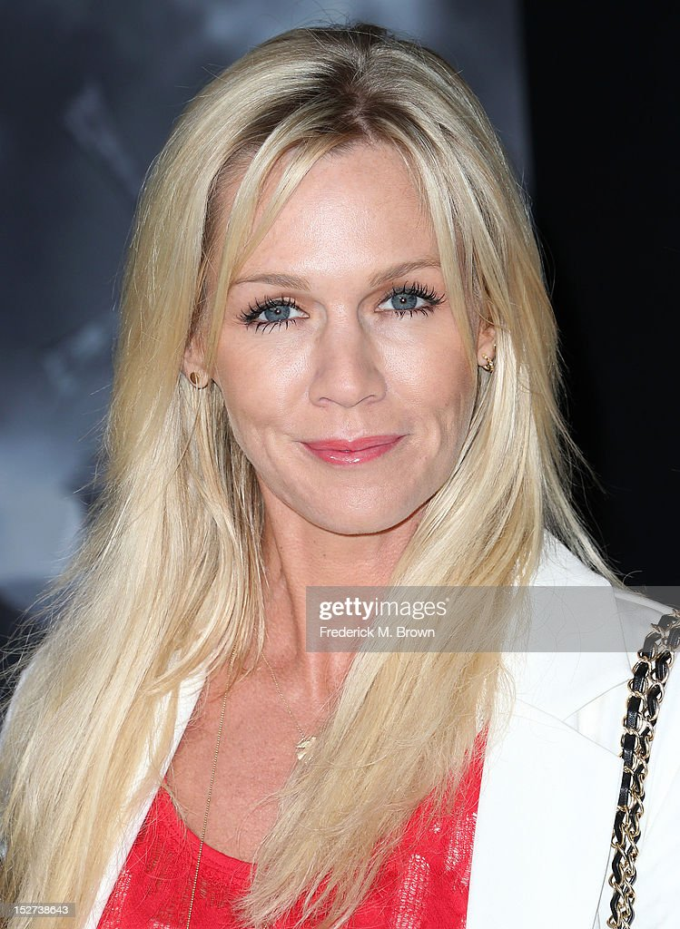 Actress Jennie Garth attends the Premiere Of Disney's 'Frankenweenie' at the El Capitan Theatre on September 24, 2012 in Hollywood, California.