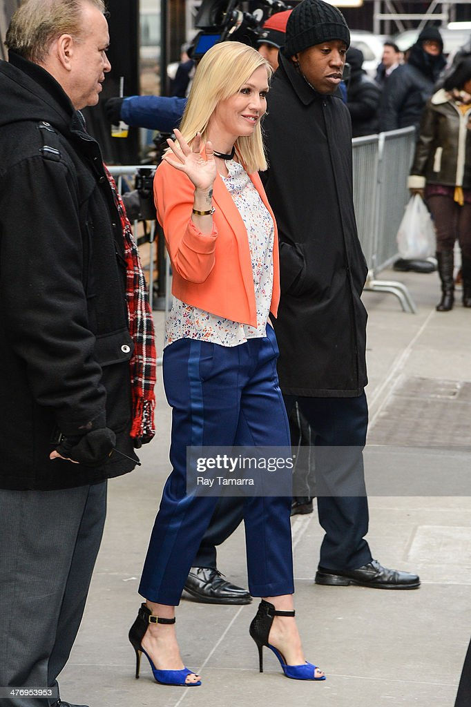 Actress <a gi-track='captionPersonalityLinkClicked' href=/galleries/search?phrase=Jennie+Garth&family=editorial&specificpeople=210841 ng-click='$event.stopPropagation()'>Jennie Garth</a> leaves the 'Good Morning America' taping at the ABC Times Square Studios on March 5, 2014 in New York City.