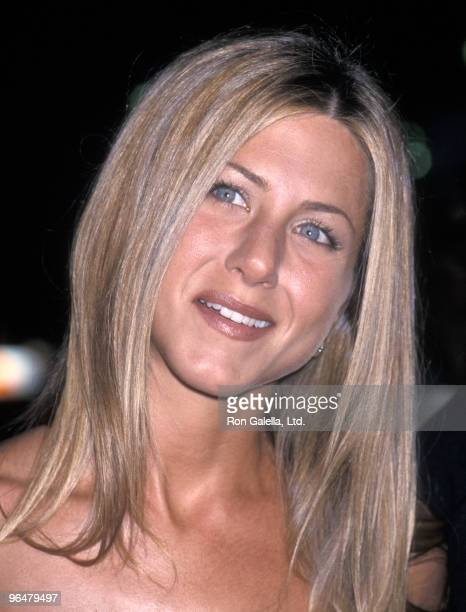 Actress Jennifer Aniston attends the 26th Annual People's Choice Awards on January 9 2000 at Pasadena Civic Auditorium in Pasadena California