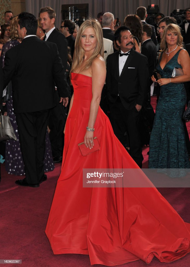 Actress <a gi-track='captionPersonalityLinkClicked' href=/galleries/search?phrase=Jennifer+Aniston&family=editorial&specificpeople=202048 ng-click='$event.stopPropagation()'>Jennifer Aniston</a> attends the 85th Annual Academy Awards held at the Hollywood & Highland Center on February 24, 2013 in Hollywood, California.