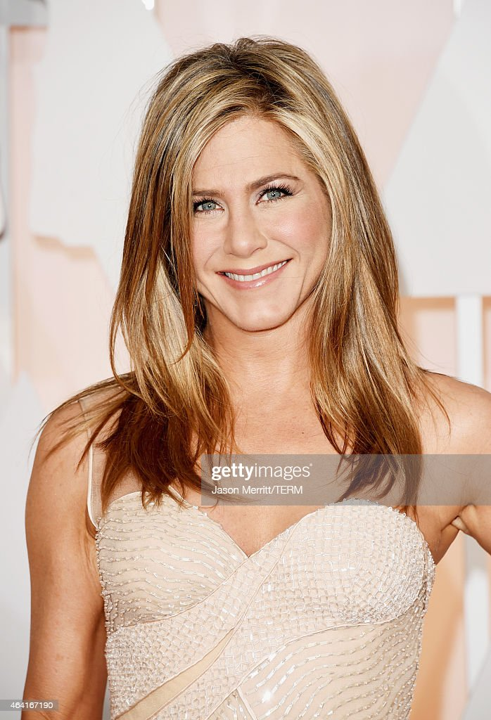 Actress <a gi-track='captionPersonalityLinkClicked' href=/galleries/search?phrase=Jennifer+Aniston&family=editorial&specificpeople=202048 ng-click='$event.stopPropagation()'>Jennifer Aniston</a> attends the 87th Annual Academy Awards at Hollywood & Highland Center on February 22, 2015 in Hollywood, California.