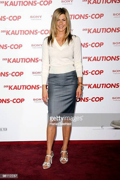 Actress Jennifer Aniston attends the German photocall of 'Der KautionsCop' at hotel de Rome on March 29 2010 in Berlin Germany