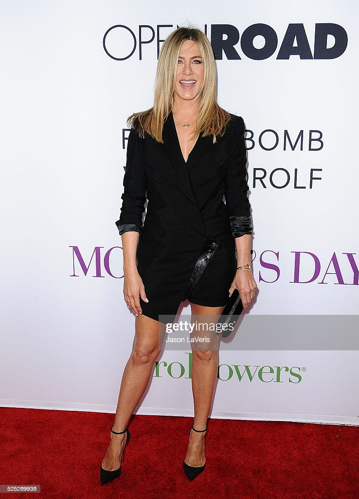 Actress Jennifer Aniston attends the premiere of 'Mother's Day' at TCL Chinese Theatre IMAX on April 13, 2016 in Hollywood, California.