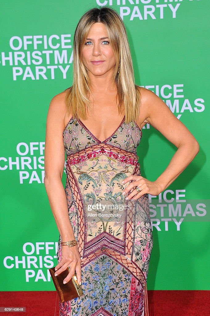 Actress Jennifer Aniston attends the premiere of Paramount Pictures' 'Office Christmas Party' at Regency Village Theatre on December 7, 2016 in Westwood, California.