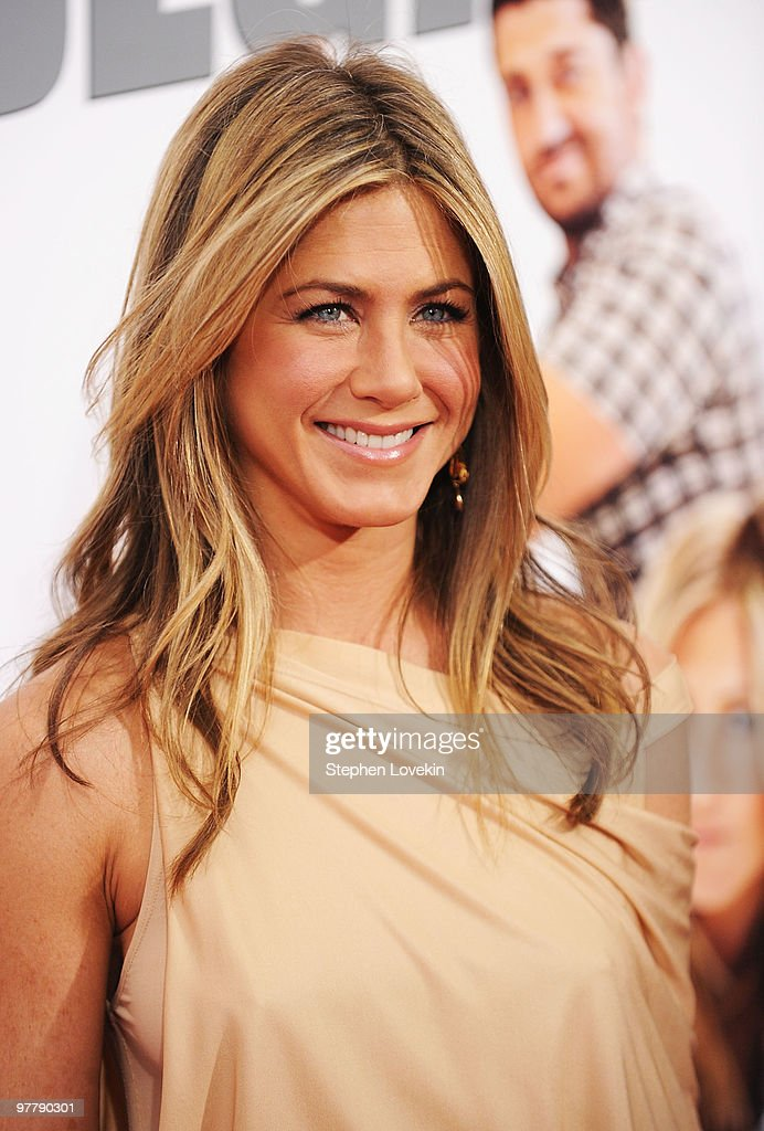 Actress Jennifer Aniston attends the premiere of 'The Bounty Hunter' at Ziegfeld Theatre on March 16, 2010 in New York, New York City.
